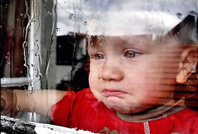vaikas-verkia